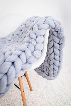 Chunky Knit Blanket, Merino Wool blanket,Arm Knit,Chunky Knit,Chunky knit throw – Knitting Blanket For Beginners Chunky Knit Throw, Chunky Blanket, Chunky Knits, Cozy Knit, Chunky Wool, Knitted Blankets, Merino Wool Blanket, Throw Blankets, Fluffy Blankets
