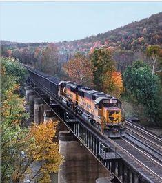 Baltimore And Ohio Railroad, High Iron, Railroad Photography, Train Pictures, Train Engines, Banff, Locomotive, Bridges, Diesel