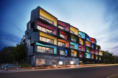 World Architecture Community News - Spectrum Apartments break the rules with its geometrically articulated façade Facade Architecture, School Architecture, Residential Architecture, Melbourne Architecture, Apartment Projects, Apartment Design, Facade Design, Exterior Design, Melbourne Apartment