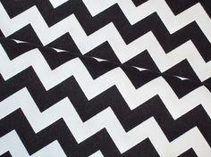 Stoff grafische Muster - Baumwoll Canvas Chevron Zickzack schwarz weiß - ein Designerstück von Fiebmatz bei DaWanda