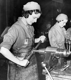 How World War II and The Blitz Liberated Women - People - Stylist Magazine Ww1 History, Women In History, Working People, Working Woman, The Blitz, Rosie The Riveter, War Photography, Industrial Photography, Industrial Revolution