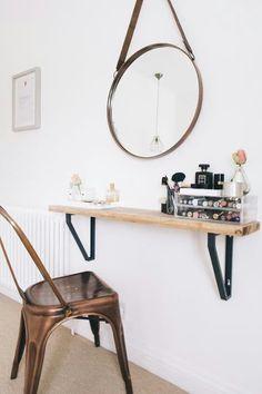 Space-saving make-up station using a shelf