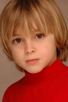 The most beautiful and cute overseas boy (image summary) Cute 13 Year Old Boys, Young Cute Boys, Teen Boys, Kids Boys, Beautiful Children, Beautiful Boys, Bowl Haircuts, Cute Kids Photography, Bond
