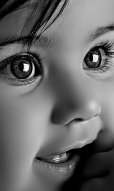 Look at those beautiful eyes Cute Little Baby, Cute Baby Girl, Cute Babies, Mom Baby, Baby Boy, Precious Children, Beautiful Children, Beautiful Babies, Cute Kids Photography
