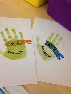 Handprint Pictures que você gosta de mexer com crianças pequenas - Figuren erstellen - Kids Crafts, Daycare Crafts, Toddler Crafts, Crafts To Do, Arts And Crafts, Ninja Turtle Party, Ninja Turtle Birthday, Ninja Turtles, Ninja Turtle Crafts