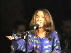 الموهبة المغربية قطر الندى ورائعتها تعال حبيبي بمهرجان بابل وهي ١١ سنة