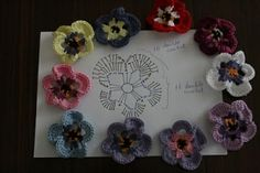 Crochet pansy pattern by elenavv