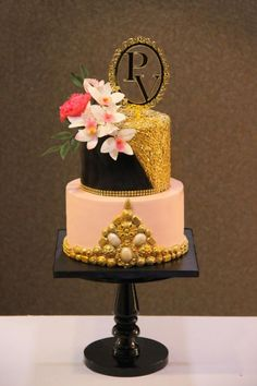 Sequins and Jewel Cake !  by Signature Cake By Shweta - http://cakesdecor.com/cakes/265800-sequins-and-jewel-cake