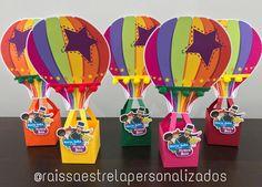 É essa caixinha balão? Para morrer de amor! ❤️ #raissaestrelapersonalizados #mundobita #mundobitaparty #bita #caixabalao #caixabalaobita #caixasbita #personalizadosbita #personalizadosluxo #personalizadosdepapel Acrylic Box, Kids Part, Pictures