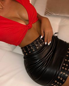 Image may contain: one or more people Real Leather Skirt, Leather Dresses, Leather Skirts, Hot Pants, Dress Skirt, Sexy Women, Crop Tops, Photo And Video, Instagram