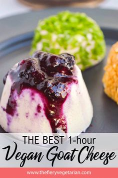 The easiest, creamiest, tangiest, QUICKEST vegan goat cheese recipe, get one of these bad boys ready in an hour and on your table! Vegetarian Appetizers, Vegan Snacks, Vegan Desserts, Vegan Recipes, Free Recipes, Easy Vegan Cheese Recipe, Goat Cheese Recipes, Paleo Lunch Box, Veggie Cheese