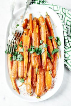 Karmelizowane marchewki - przepis na marchewkę - codojedzenia.pl Ketchup, I Foods, Carrots, Beverages, Lime, Lose Weight, Food And Drink, Lunch, Healthy Recipes