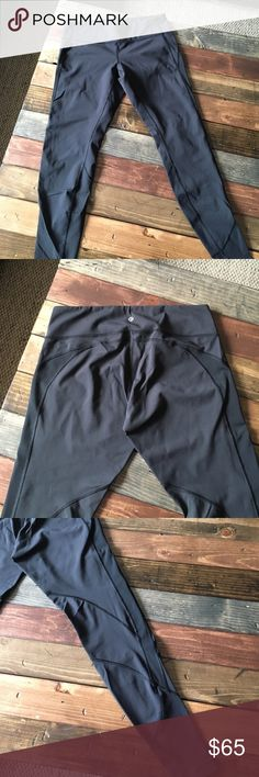 Lululemon full-length black leggings Perfect condition! I forget the exact name of this style, but they're Lululemon full-length black leggings! Only worn a couple times, so there's no pilling or any signs of wear. Made of lulu's luxtreme fabric, perfect for workouts or everyday use!! And it's hard to tell from the photo, but the shape of the stitching around the butt area is super flattering👍🏼 lululemon athletica Pants Leggings