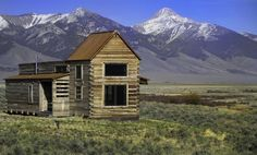 Coolest Cabins: Breathtaking Ranch Cabin