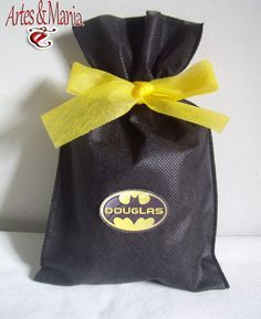 Artes & Mania: Sacola Surpresa Batman Lego Batman Birthday, Superhero Birthday Party, Batman Party Decorations, Batman Concept, Soccer Birthday Parties, Baptism Photos, Batman Vs Superman, Goodie Bags, Batgirl