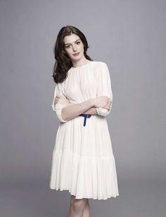Anne Hathaway Wears Pretty White Dress in Get Smart Promo Shoot