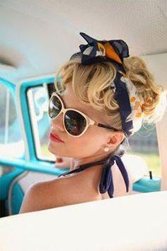 Pin-up style:: retro:: vintage lifestyle:: Pin Up Girl + SUnglasses Rockabilly Moda, Moda Pinup, Rockabilly Hair, Rockabilly Fashion, Rockabilly Style, Pin Up Vintage, Looks Vintage, Vintage Beauty, Vintage Style