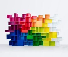 Colorful and modular: the Cubit shelf