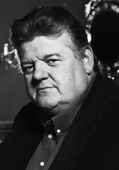 """Anthony Robert McMillan aka Robbie Coltrane is an actor I've always enjoyed. """"Cracker"""" was one of my favorite TV shows. 'Fitz' was born in Rutherglen, South Lankarshire, Scotland. Uk Actors, Actors Male, British Actors, Actors & Actresses, Male Celebrities, American Actors, Detective, Robbie Coltrane, Harry Potter Actors"""