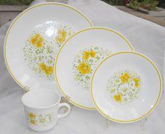 CORELLE APRIL YELLOW FLOWERS RETRO DINNERWARE DINNER SALAD PLATE CUP VINTAG 12 P #CORNING