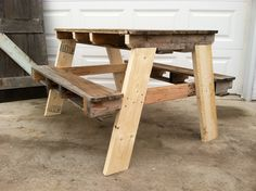 Pallet Picnic Table.