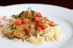 Grouper with Garlic-Lemon Butter Sauce Going to try this with Corvina! Fish Dishes, Seafood Dishes, Fish And Seafood, Pasta Dishes, Seafood Recipes, Cooking Recipes, Main Dishes, Grouper Recipes, Corvina Fish Recipes