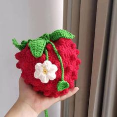 Beautiful crochet handmade strawberry pouch for kids and adults. If you have no idea buy birthday gifts for your kids just look at this cute strawberry bag. Crochet Strawberry, Strawberry Summer, Strawberry Farm, Crochet Food, Free Crochet, Crochet Hats, Rabbit Toys, Beautiful Crochet, Crochet Stitches