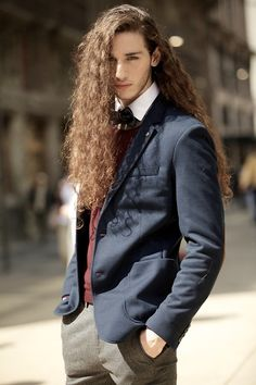long-haired-guys:  doomfactory:  Never thought the blue blazer would look good on me (:  (via TumbleOn )
