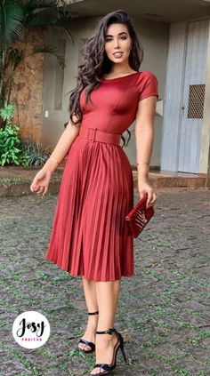 Vestido Midi – Marise - Easy Tutorial and Ideas Mode Outfits, Night Outfits, Stylish Outfits, Dress Outfits, Dress Up, Dress Skirt, Modest Dresses, Elegant Dresses, Sexy Dresses