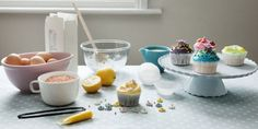 Ever wondered how to achieve all those pretty icing designs? Here's the answer.