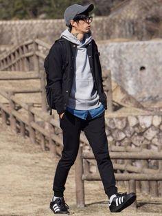 Korean Winter Outfits, Teen Winter Outfits, Korean Fashion Men, Mens Fashion, Korean Men Style, Japanese Streetwear, Casual Wear For Men, Japan Fashion, Men Dress