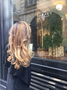 Balayage blond californien. AVEDA PARIS