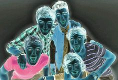 Stare at the red dot for 30 seconds exactly and then look at the ceiling and blink as fast as you can.