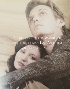 i dont know about the movie but the book was a catch. i love the way Wanda confess her love to Ian The Host Book, The Book, Series Movies, Book Series, Les Ames Vagabondes, Stephanie Meyers, Movie Couples, Weird World, Entertainment