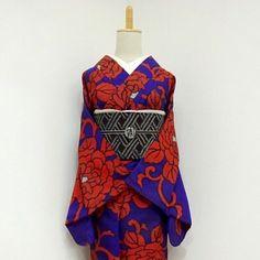 大きなボタンの銘仙♡ . ショップはプロフィールから . . . #雅星 #雅星本店 #着物 #着物コーデ #着物コーディネート #銘仙 #名古屋帯 #アンティーク着物 #kimono #japan #japanese #japanesestyle #japanesefashion
