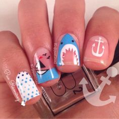 Woah, this sea nail art with negative space is just too cool!