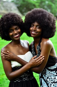 Nothing like the beauty of a great afro! Short Hairstyles For Women, Afro Hairstyles, Curly Hair Styles, Natural Hair Styles, Curly Lace Front Wigs, Afro Textured Hair, Remy Human Hair, Remy Hair, Natural Hair Inspiration