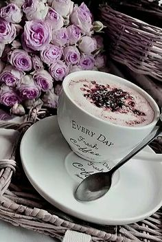 Coffee and flowers Coffee Latte, I Love Coffee, Coffee Time, Coffee Shop, Coffee Cups, Tea Cups, Coffee Lovers, Coffee Beans, Blackberry Tea