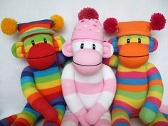 Sock Monkey Wallpaper Biogrephy To understand how The Sock Monkey Nation came to be, one must simply take a trip back in time. Funky Socks, Cute Socks, Colorful Socks, Sock Crafts, Sewing Crafts, Sewing Projects, Diy Arts And Crafts, Fun Crafts, Rainbow Monkey