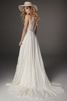 Lark by Rue De Seine available at The Bridal Atelier www.thebridalatelier.com.au @thebridalatelier #sheisthebridalatelierbride