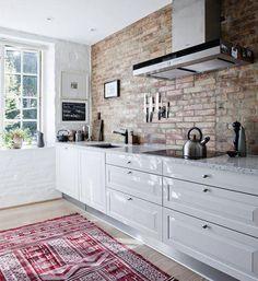 Tégla fal a konyhában - konyha / étkező ötlet
