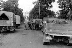 Une colonne de soldats allemands près de Krasnogwardeisk 1942 [Bundesarchiv, Bild 121-1467 / CC-BY-SA 3.0]