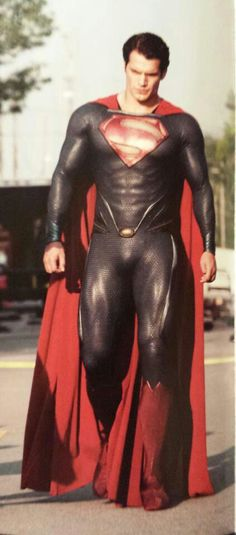 Henry Cavill gorgeousness.  Director Zach Snyder knew Henry was the one when Henry passed the uniform test. They put him in the old Christopher Reeves Superman costume and had him walk across the building to the meeting room. No one laughed when Henry did it. Everyone stopped what they were doing and watched in awe.  He was/is perfect for the role.  Well done Mr. Snyder!
