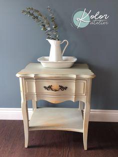 Peinture de lait milk paint yellow and sauge Kolor atelier creation Atelier Creation, Farmhouse Style, Creations, Furniture, Home Decor, Salvia, Milk, Paintings, House