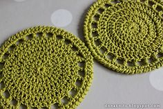 This is more a recipe than a pattern. These little coasters are really easy and fast to complete. Hope you will enjoy making them as much as I did!