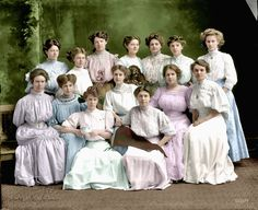 Shorpy Historic Picture Archive :: Theta Pi Pastels: 1910 high-resolution photo
