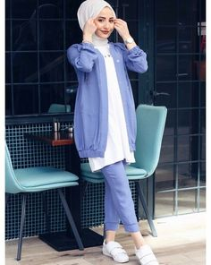 – uyum Source by outfits hijab Modest Fashion Hijab, Modern Hijab Fashion, Muslim Women Fashion, Modesty Fashion, Hijab Fashion Inspiration, Modest Outfits, Casual Outfits, Fashion Outfits, Korean Blouse