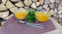 Stačí 30 minút a vieš vytvoriť geniálnu sýtu batatovú polievku, skvelú na chladné obdobie. Pridaj k nej kurkumu a kajanské korenie a je to hotová mňamka.