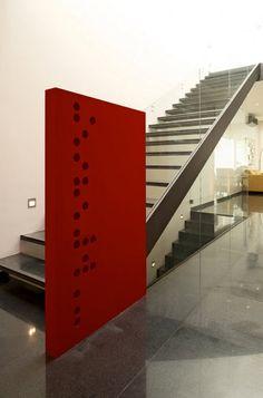 Diseño de escaleras modernas de hierro y vidrio