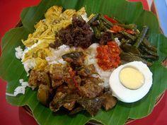 nasi begana or nasi begono? by Satya W, via Flickr